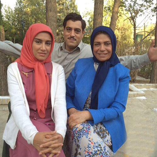 گوهر خیراندیش و دخترش آزاده اسماعیل خانی