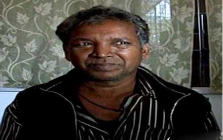 درآوردن چند کیلو فلز از معده یک مرد هندی!! + عکس