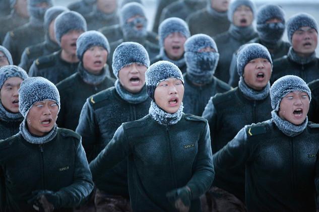 آموزش نیروهای چینی در دمای 30 درجه زیر صفر