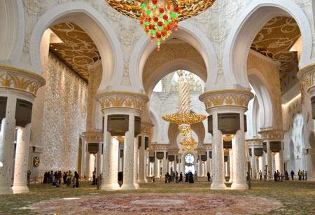 زیباترین مساجد جهان, مسجد شیخ زاید در امارات, مسجد شیخ زاید در ابوظبی
