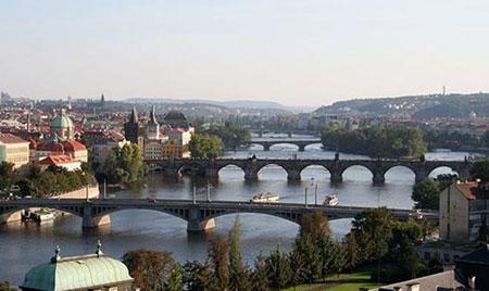سفر به پراگ در جمهوری چک شهر قلعه ها