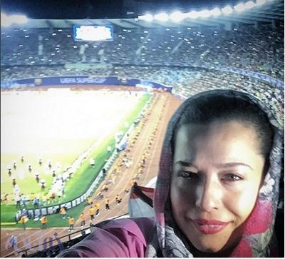 عکس مهراوه شریفی نیا در ورزشگاه در حال تماشای فوتبال!