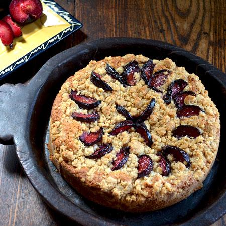طرز تهیه کیک آلو سیاه خوشمره