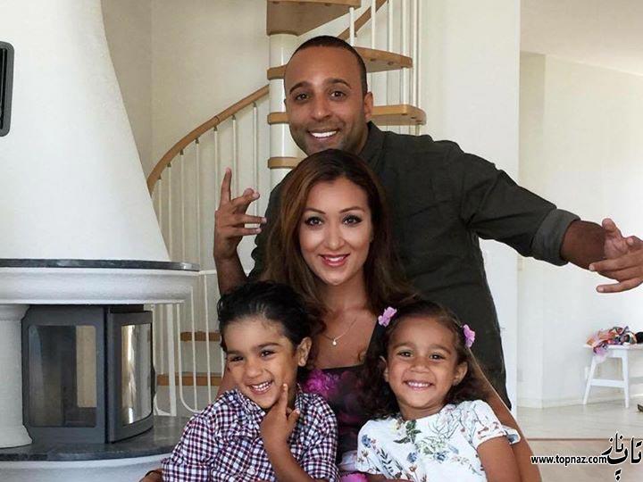 عکس آرش خواننده در کنار همسر و پسر و دخترش