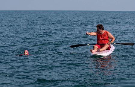 عکس های دختر شناگر ایرانی در دریای شمال که رکورد زد