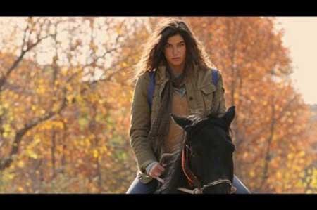 بازیگران ایزل و حریم سلطان در فیلم ایرانی خاطرات اسب سیاه
