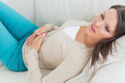 علل قاعدگی نامنطم,کیست تخمدان,علائم کیست تخمدان