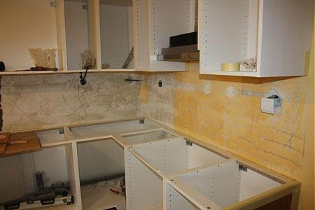 طراحی دیوار آشپزخانه,تزیین دیوار آشپزخانه با کاشی شکسته