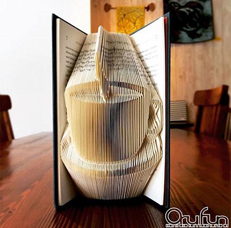 ساخت شکل های زیبا با ورق های کتاب