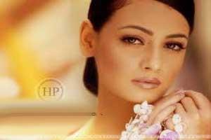 بازی دیا میرزا ملکه زیبایی هند در فیلم ایرانی