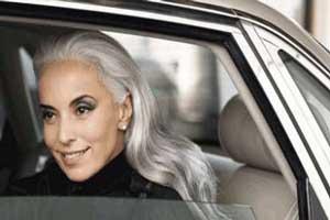 عکس های سوپر مدل زن 59 ساله که باعث تعجب دنیای مد شده!