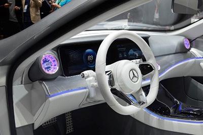 خودروی جدید و زیبای مرسدس بنز که تغییر شکل می دهد