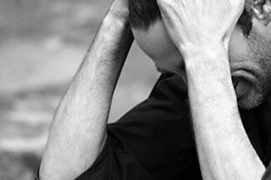 مشکل بیماری پیرونی در مردان یا کج شدن آلت تناسلی