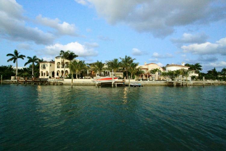 جزیره ی Hibiscus، آمریکا