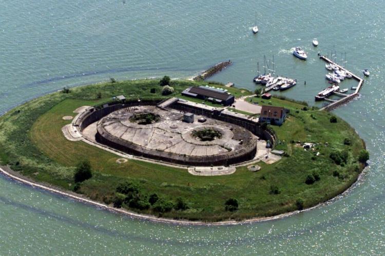 جزیرهی Pampus، هلند