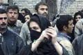 عکس جنجالی دختر ایرانی در حال زنجیر زدن!