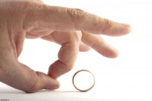 درخواست طلاق از همسر به دلیل داشتن دوست پسر در گذشته