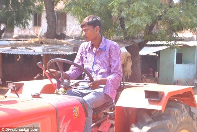 قلب این پسر 18 ساله هندی خارج از بدنش است