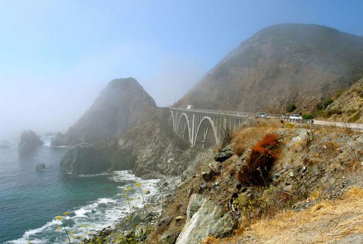 بزرگراه شماره ۱ معروف به Big Sur، کالیفرنیا، ایالاتمتحده
