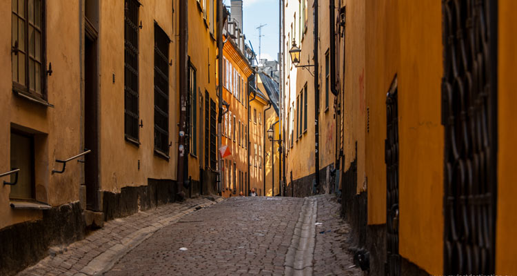 Street-in-the-old-town-stockholm