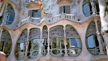 شاهکار معماری دنیا در اسپانیا