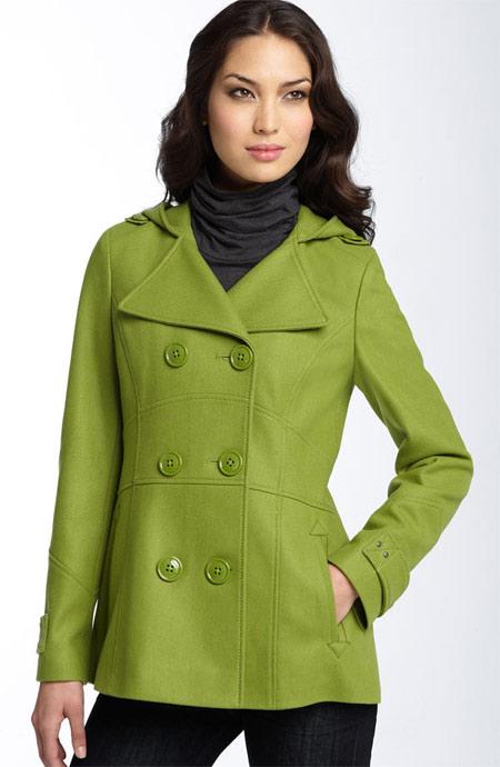انتخاب بهترین رنگ های لباس زنان در پاییز