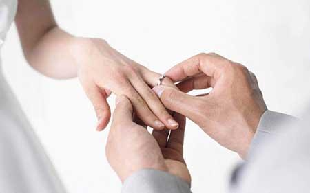 عاشق شدن در دوران نامزدی