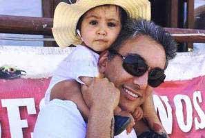 عکس جذاب شادمهر عقیلی و دخترش و خالکوبی جدیدش!
