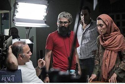 عکس هدیه تهرانی در پشت صحنه فیلم عادت نمی کنیم