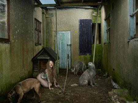 عکس دخترانی جوان که شبیه به سگ شدند