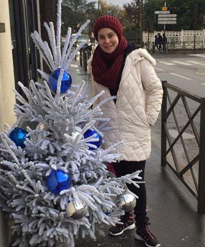عکس آرام جعفری در پاریس