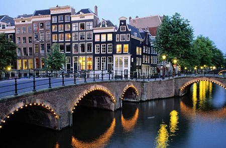 مکان های زیبا و دیدنی آمستردام هلند
