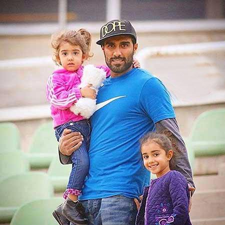 عکس جدید و دیدنی میلاد می داوودی و دو دخترش