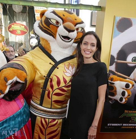 عکس آنجلینا جولی در نخستین نمایش فیلم پاندای کونگ فو کار 3