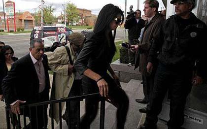 بازداشت دختر شایسته آمریکا به دلیل مستی حین رانندگی! +عکس