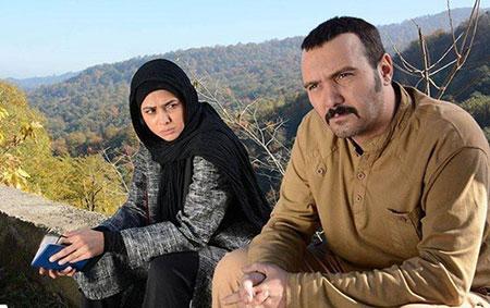 کامبیز دیرباز و آزاده صمدی در سریال پشت بام تهران