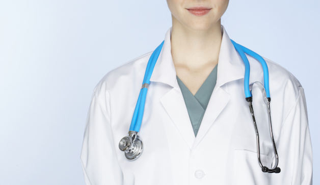 دلیل و درمان عدم تقارن سینه در خانم ها