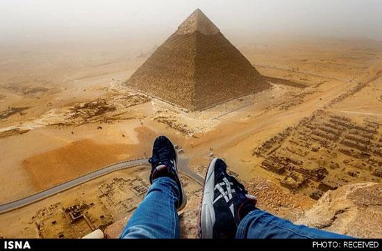 مجازات جوان 22 ساله به دلیل گرفتن سلفی از بالای اهرام ثلاثه مصر
