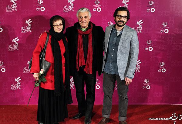 رضا کیانیان و همسر و پسرش در افتتاحیه جشنواره فیلم فجر