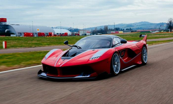 فراری FXX K خودرویی برای حکمرانی در مسابقات (۳ میلیون دلار)