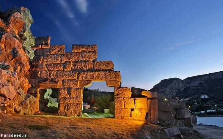 تبای یا تِبس، یونان – قدمت آن به حدود 1400 سال پیش از میلاد بازمیگردد