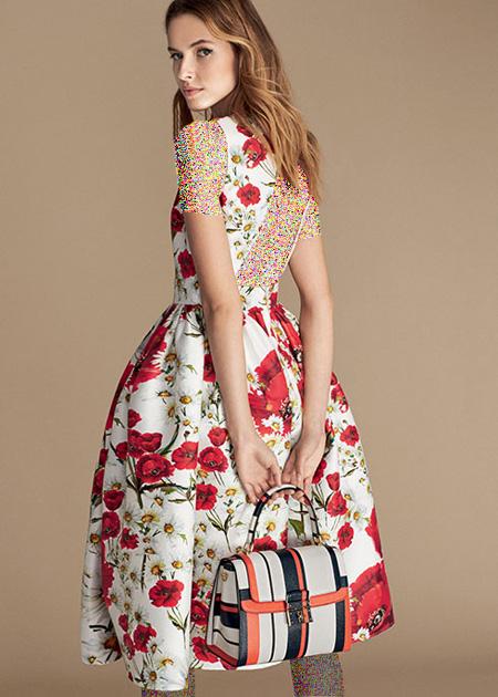 پیراهن زنانه با طرح گل قرمز دولچه اند گاباناDolce & Gabbana برای بهار 2016