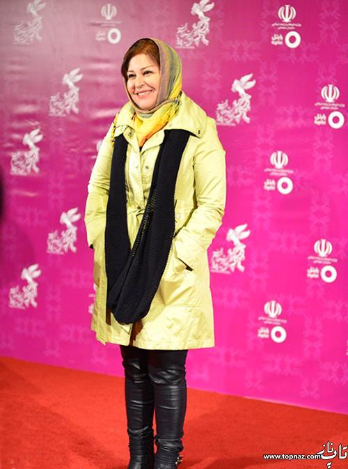 اکرم محمدی روی فرش قرمز جشنواره 34 فیلم فجر