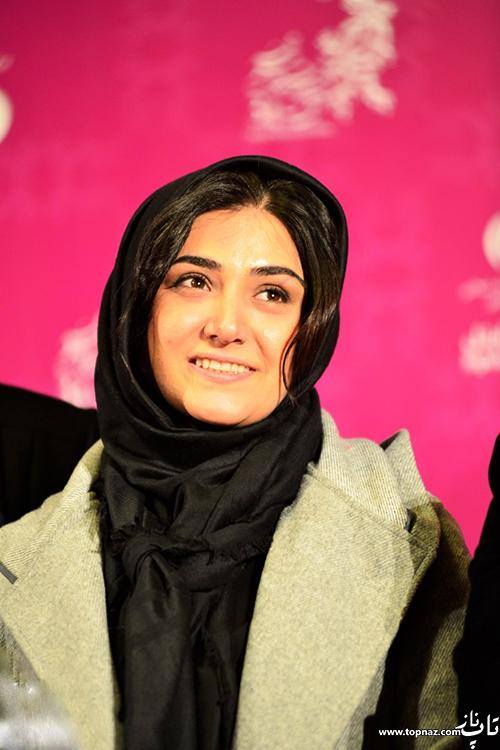 باران کوثری روی فرش قرمز جشنواره 34 فیلم فجر