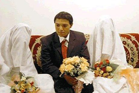 عکس داماد 16 ساله که در یک شب با دختر عمه و دختر همسایه ازدواج کرد!