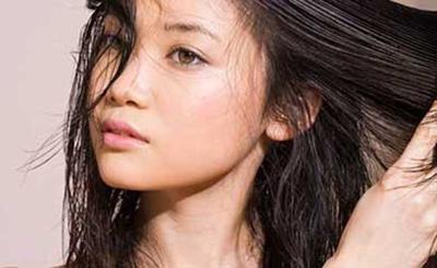 دلیل چرب شدن موها چیست و راه جلوگیری از چرب شدن مو