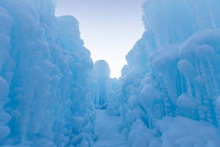 جالب ترین جاذبه گردشگری یخی جهان پارک یخی زمستانی کانادا