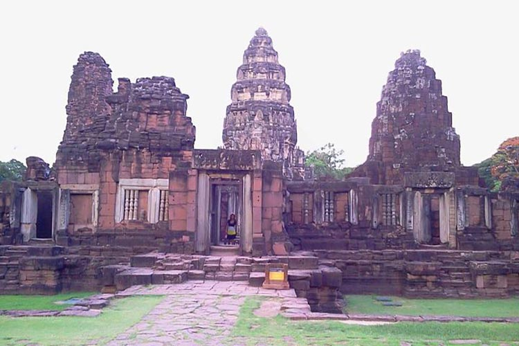 Khmer-temples-in-Isaan
