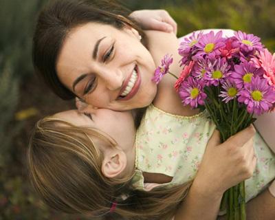 شعر های زیبا و عاشقانه روز مادر برای مادر