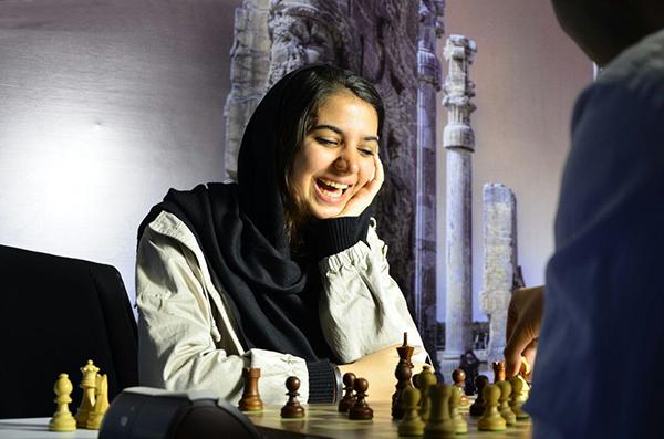 سارا سادات خادم الشریعه